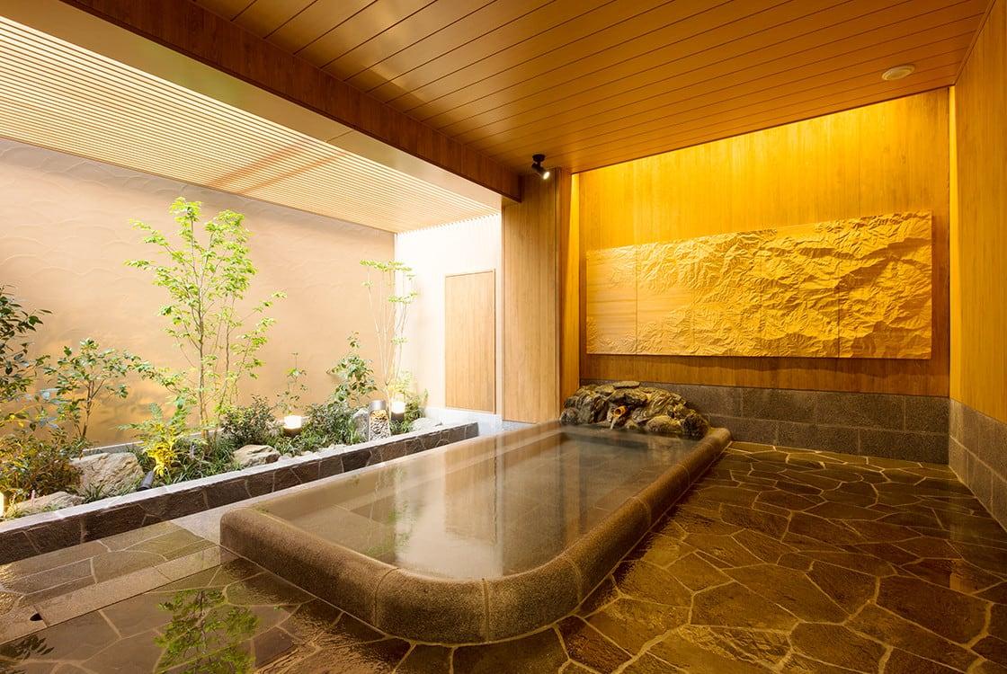 浴室のデザイン~壁画に囲まれた大浴場と露天風呂~2